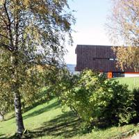 Familiebolig m/utleie på Nardo i Trondheim. Utført i trekledning med detaljer i murstein.